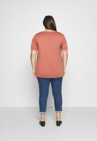 Zizzi - BOXY TEE WITH FOLD UP - T-shirts med print - canyon rose - 2