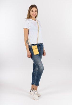 EMMA - Phone case - light yellow