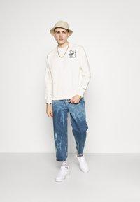 Nike Sportswear - RETRO CREW - Sweatshirt - sail - 1