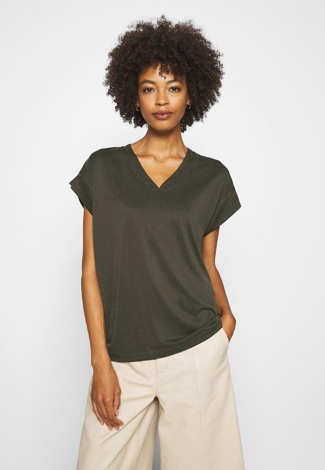 KAJSA - T-shirt basic - sea turtle