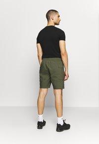 Nike Sportswear - ME SHORT - Shorts - khaki - 2