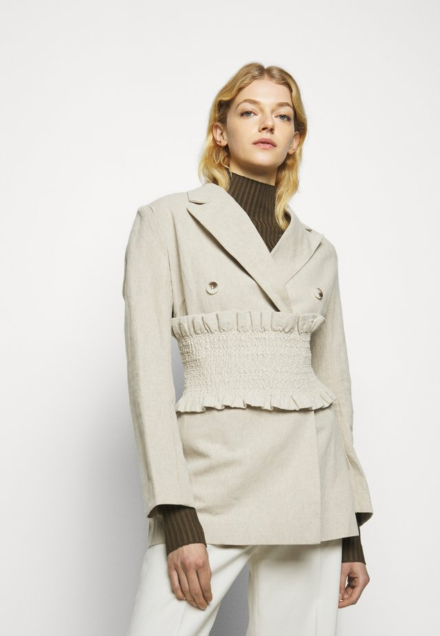 SAGENE - Krátký kabát - sand