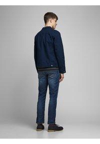 Jack & Jones - CLARK PAGE - Straight leg jeans - blue denim - 2