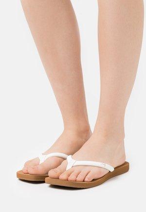 SEAS - Sandály s odděleným palcem - tan/white