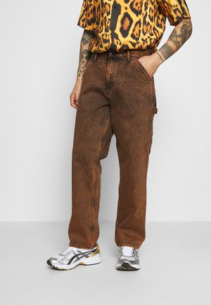SINGLE KNEE PANT ALLENDALE - Pantalones cargo - rum crater wash