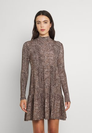 SOPHIE LONG SLEEVE SMOCK DRESS - Jersey dress - light brown