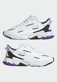 adidas Originals - OZWEEGO CELOX - Sneakers basse - white - 6