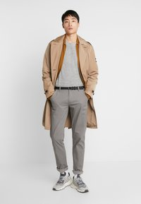 Lindbergh - Chino kalhoty - silver - 1