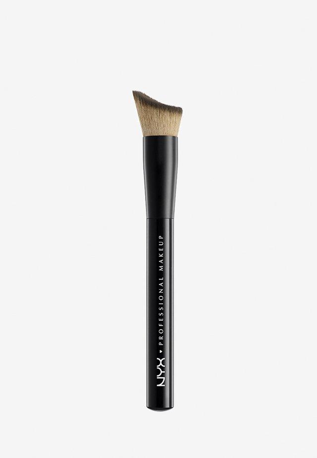 PRO BRUSH - Makeup-børste - 22 control foundation