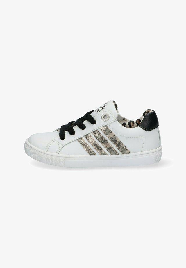 LESLEY LOUWIES  - Sneakers laag - white