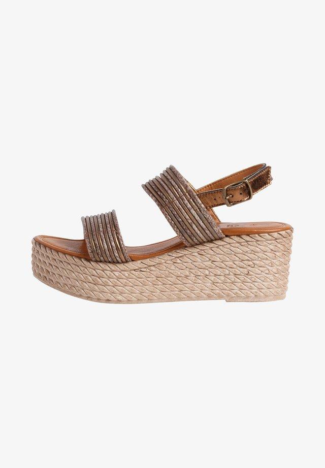 Platform sandals - bronze comb