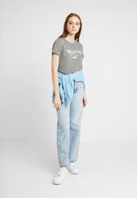 Hollister Co. - TECH CORE - Print T-shirt - grey - 1