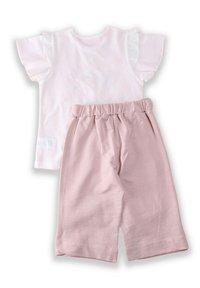 Cigit - T-SHIRT AND CAPRI SET - Shorts - light pink - 1