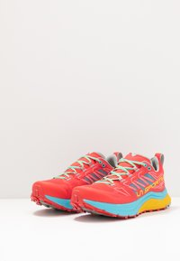 La Sportiva - JACKAL WOMAN - Trail running shoes - hibiscus/malibu blue