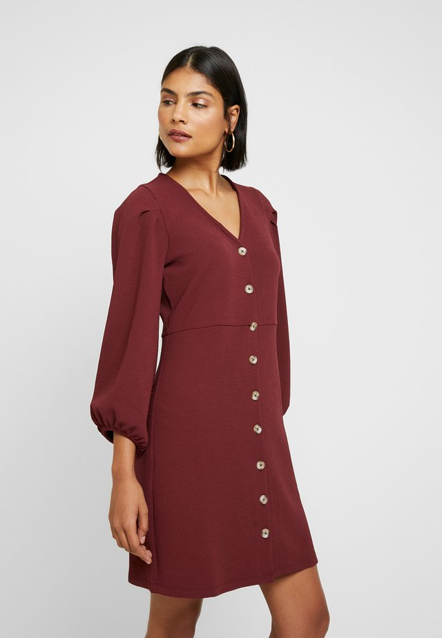 TEXTURE THREAD BUTTON FRONT MINI DRESS - Jerseykjole - dusty burgundy