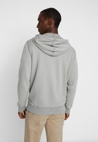 Abercrombie & Fitch - HOOD TAPE ICON FULLZIP  - Collegetakki - pale green - 2