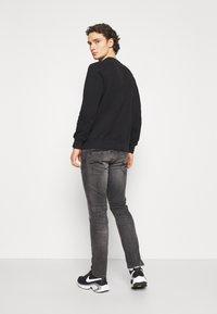 Pepe Jeans - SPIKE - Jeans straight leg - grey denim - 2
