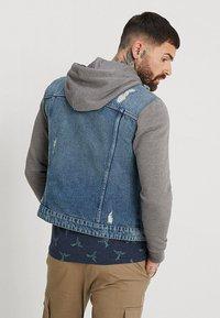 Only & Sons - ONSCOIN HOOD TRUCKER - Denim jacket - blue denim - 2