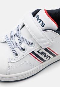Levi's® - BRANDON  - Trainers - white/navy - 5