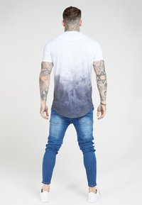 SIKSILK - PATCH  - Vaqueros pitillo - washed blue - 2