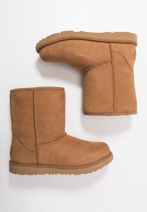 CLASSIC SHORT WP - Classic ankle boots - chestnut