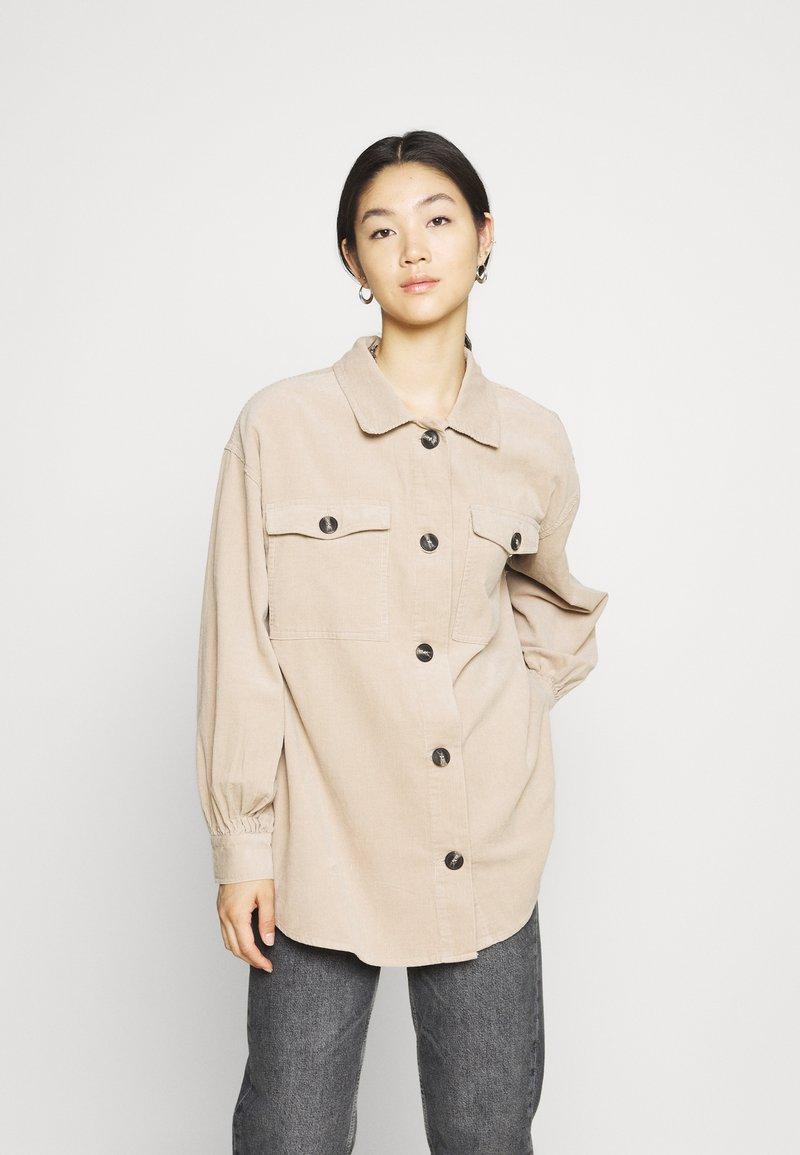 Cotton On - THE SHACKET - Skjorte - beige