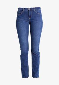 MAC Jeans - DREAM - Straight leg jeans - mid blue - 8
