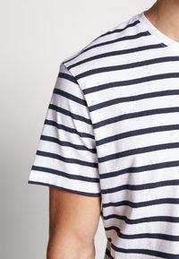 Esprit - Print T-shirt - white - 5