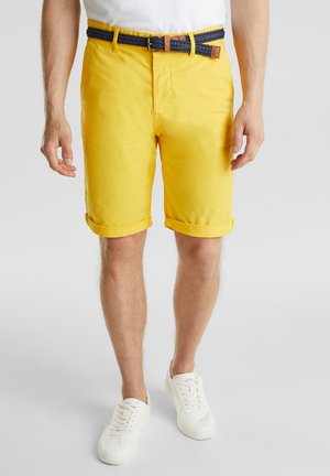 MIT GÜRTEL - Shorts - yellow