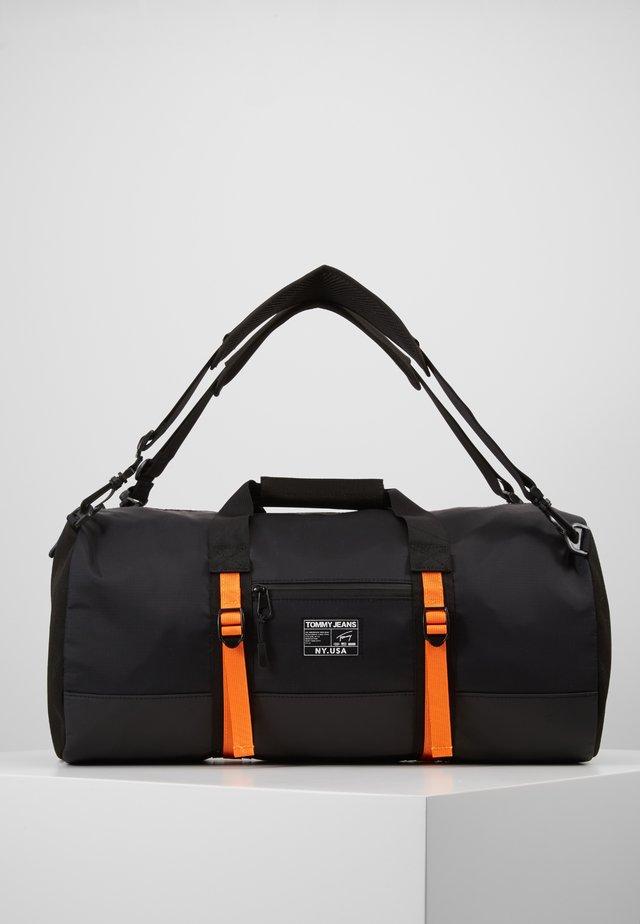 URBAN TECH DUFFLE - Weekendbag - black
