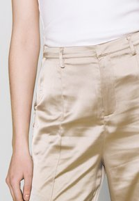 Missguided - STRAIGHT LEG TROUSER - Kalhoty - grey - 4
