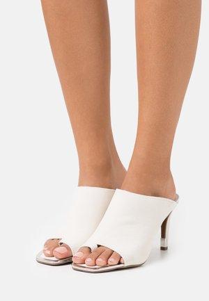 BASHA PEEP TOE MULE  - T-bar sandals - vanilla