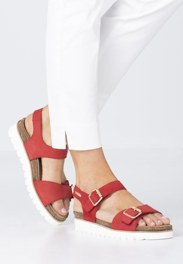 Walking sandals - scarlet