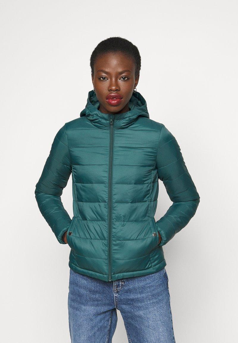 ONLY Tall - ONLSANDIE HOOD JACKET - Light jacket - ponderosa pine