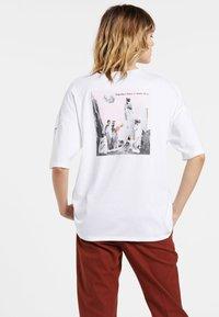 Volcom - SCHNIPS FA SS - Print T-shirt - white - 1