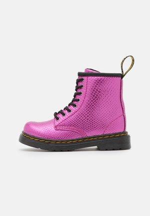1460  - Veterboots - pink