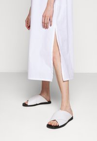 Filippa K - ELAINE DRESS - Denní šaty - white - 3