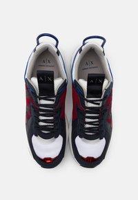 Armani Exchange - Sneakersy niskie - red/white/black - 3
