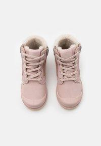 Palladium - PAMPA HI CUFF WPS - Šněrovací kotníkové boty - rose dust/pink tint - 3