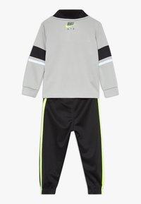 Nike Sportswear - AIR JOGGER SET BABY - Tepláková souprava - black - 1