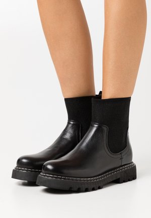 LINA - Kotníkové boty - black