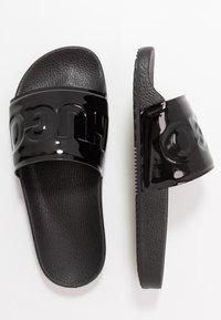 HUGO - TIME OUT SLIDE - Pantofle - black - 3
