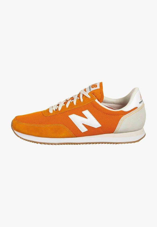 720 UNISEX - Baskets basses - varsity orange