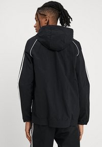 adidas Originals - Chaqueta fina - black - 3