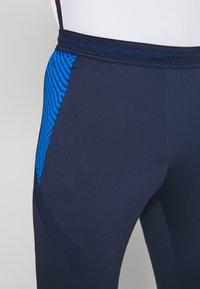 Nike Performance - DRY STRIKE PANT - Pantaloni sportivi - midnight navy/soar/laser crimson - 4
