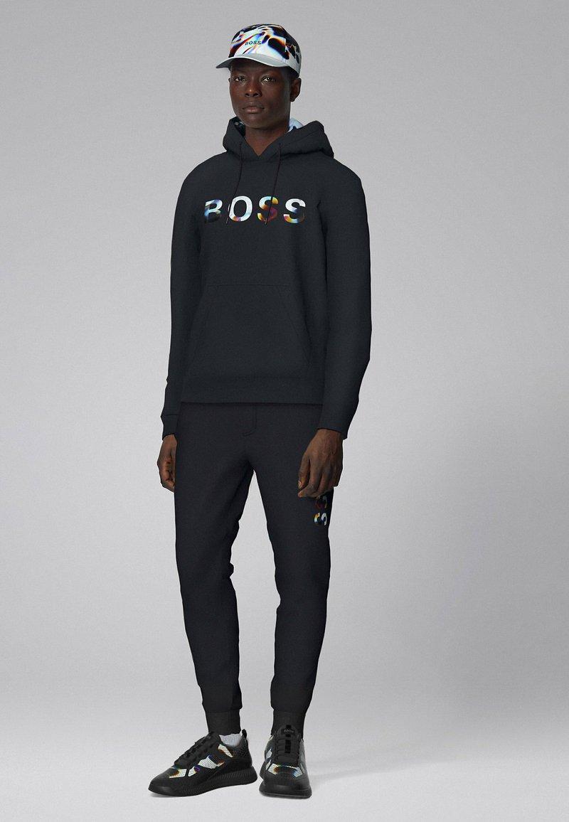 BOSS - Sneaker low - patterned