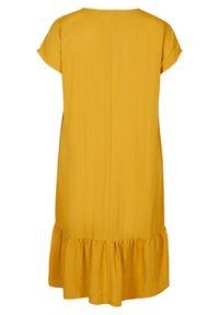 Zizzi - VMACY DRESS - Jersey dress - HARVEST GOLD - 4