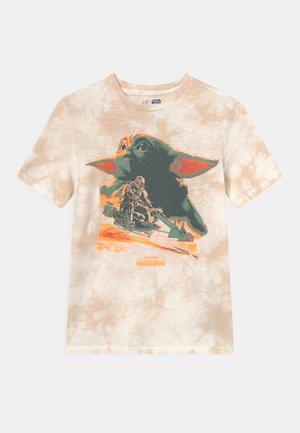 STAR WARS BOYS TEE - T-shirt z nadrukiem - tie dye