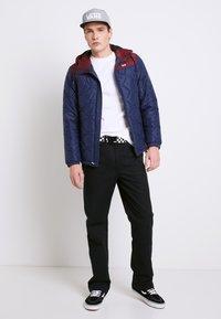 Vans - MN WOODCREST II - Winter jacket - dress blues-port royale - 1