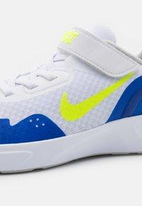 Nike Sportswear - WEARALLDAY UNISEX - Trainers - white/volt/game royal/grey fog - 5